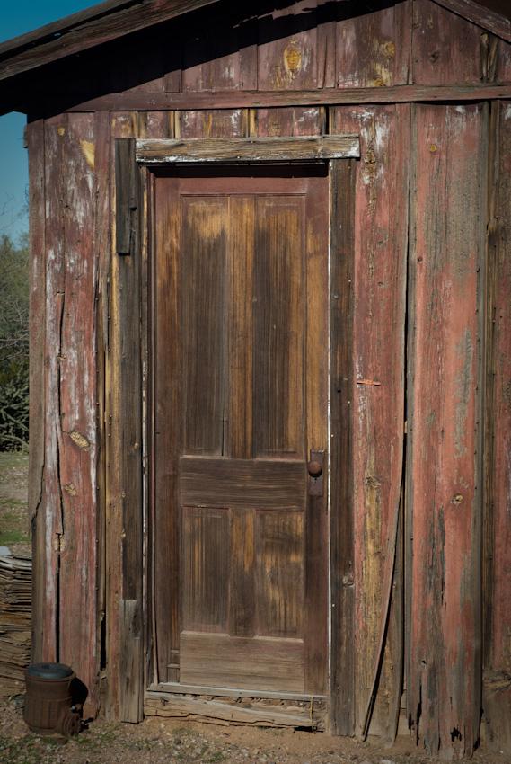 door-120081230.jpg