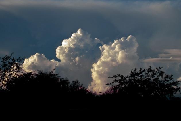 storm-clouds-120081127